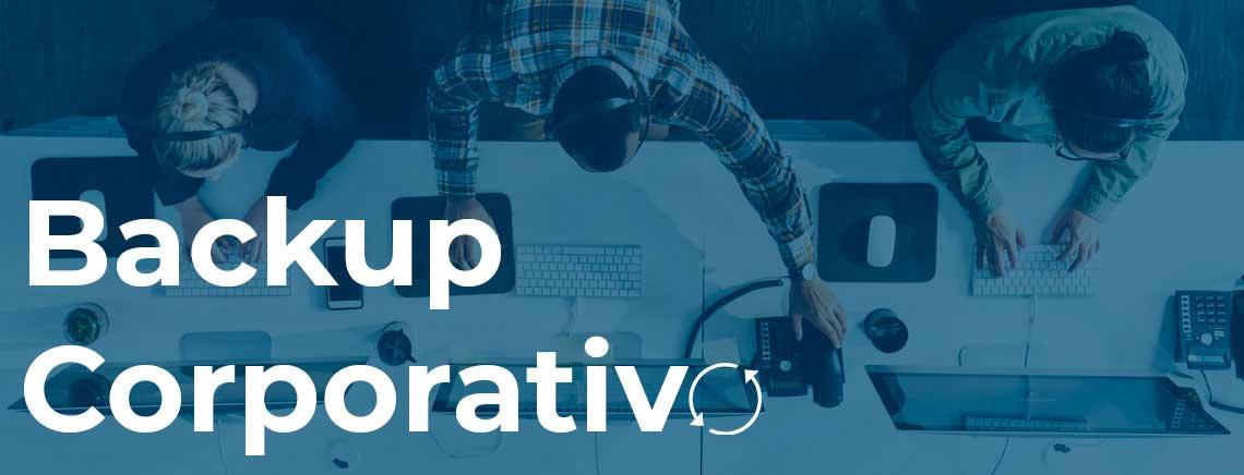 Backup Corporativo, ambiente de escritório com vários funcionários e seus computadores