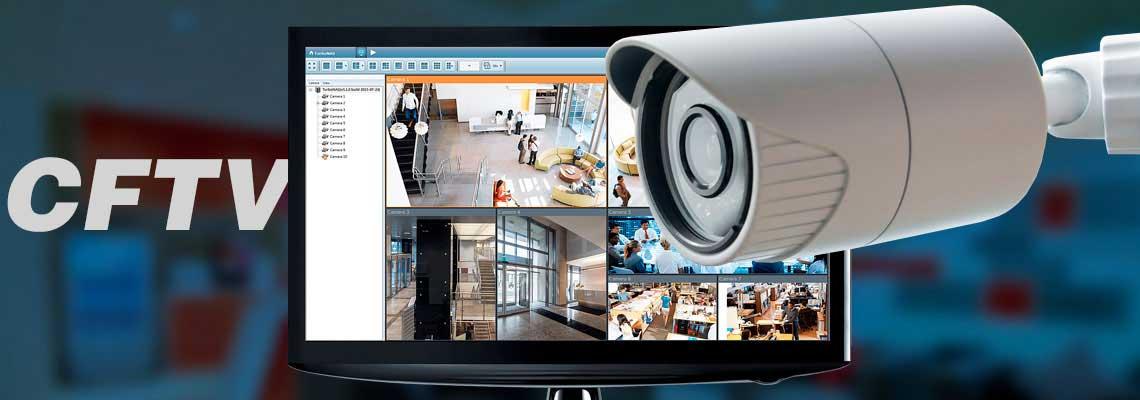 O que é CFTV? Ambiente corporativo com uma câmera IP e um monitor com as imagens ao vivo da vigilância na tela