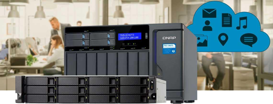 Dois storages NAS Qnap em um ambiente corporativo, proporcionando criação de nuvem de dados privativa