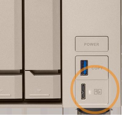 TVS-473e Qnap, porta USB de acesso direto aos arquivos